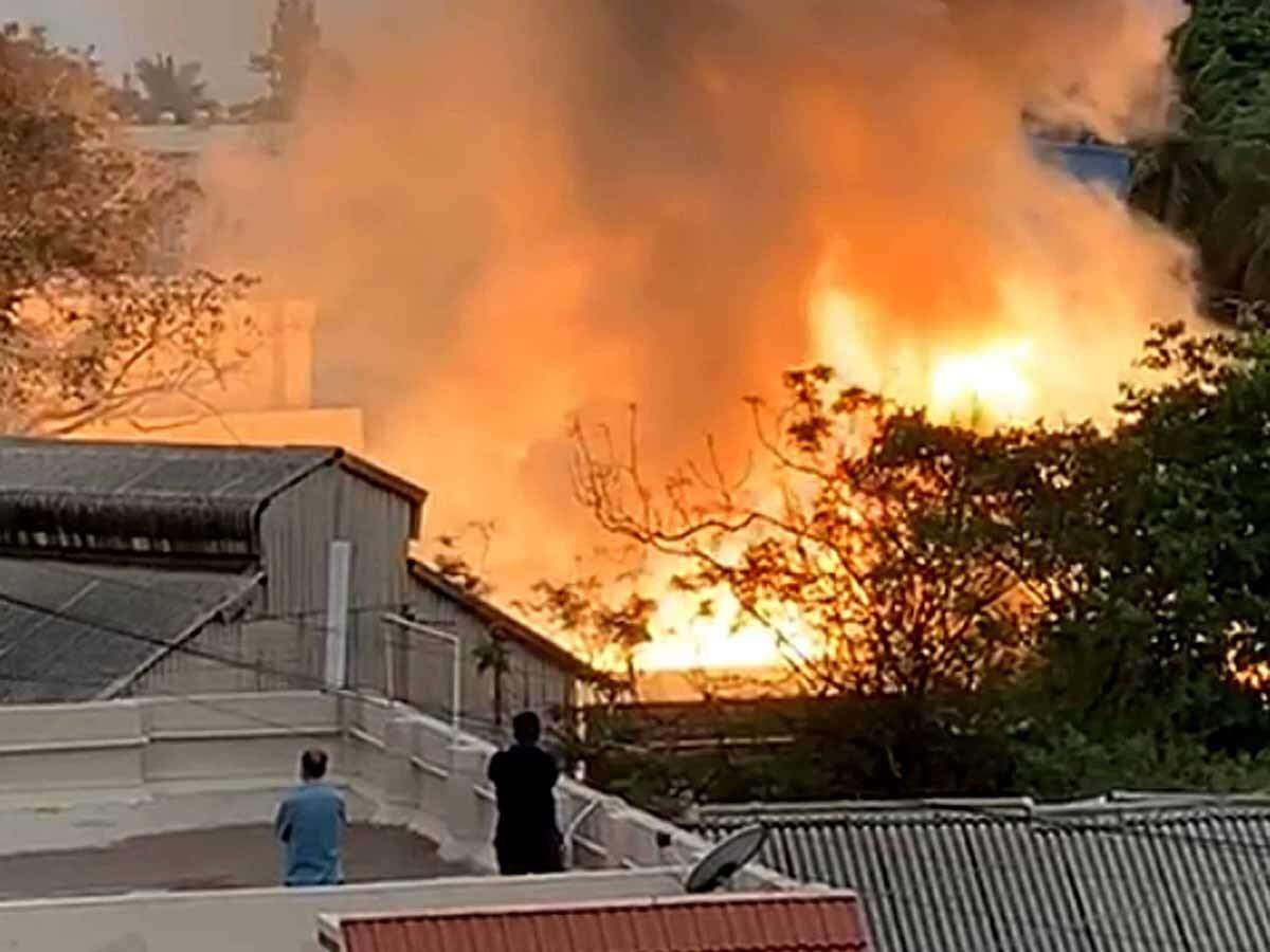 Gujarat:Death cost because of fire in godown ascends to 12